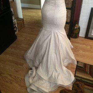 mac duggal Dresses - Mac Duggal gown off white embossed cream dress